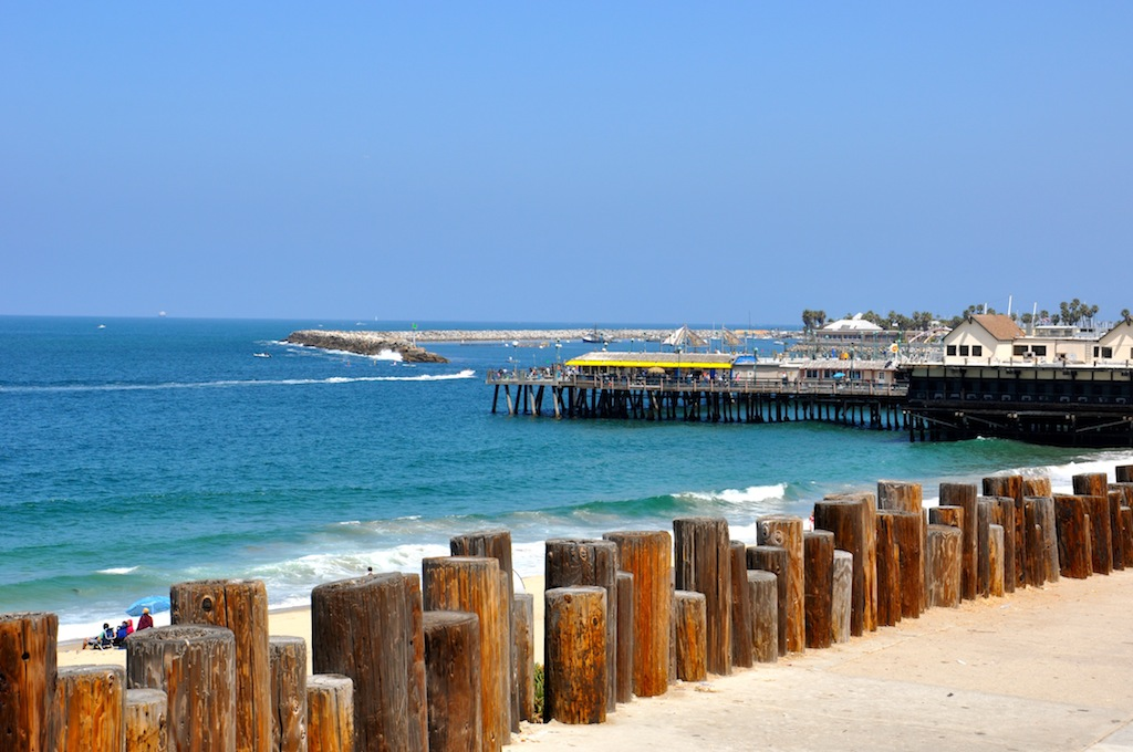 Redonod Beach Pier offers fishing, restaurants, shops and games for kids